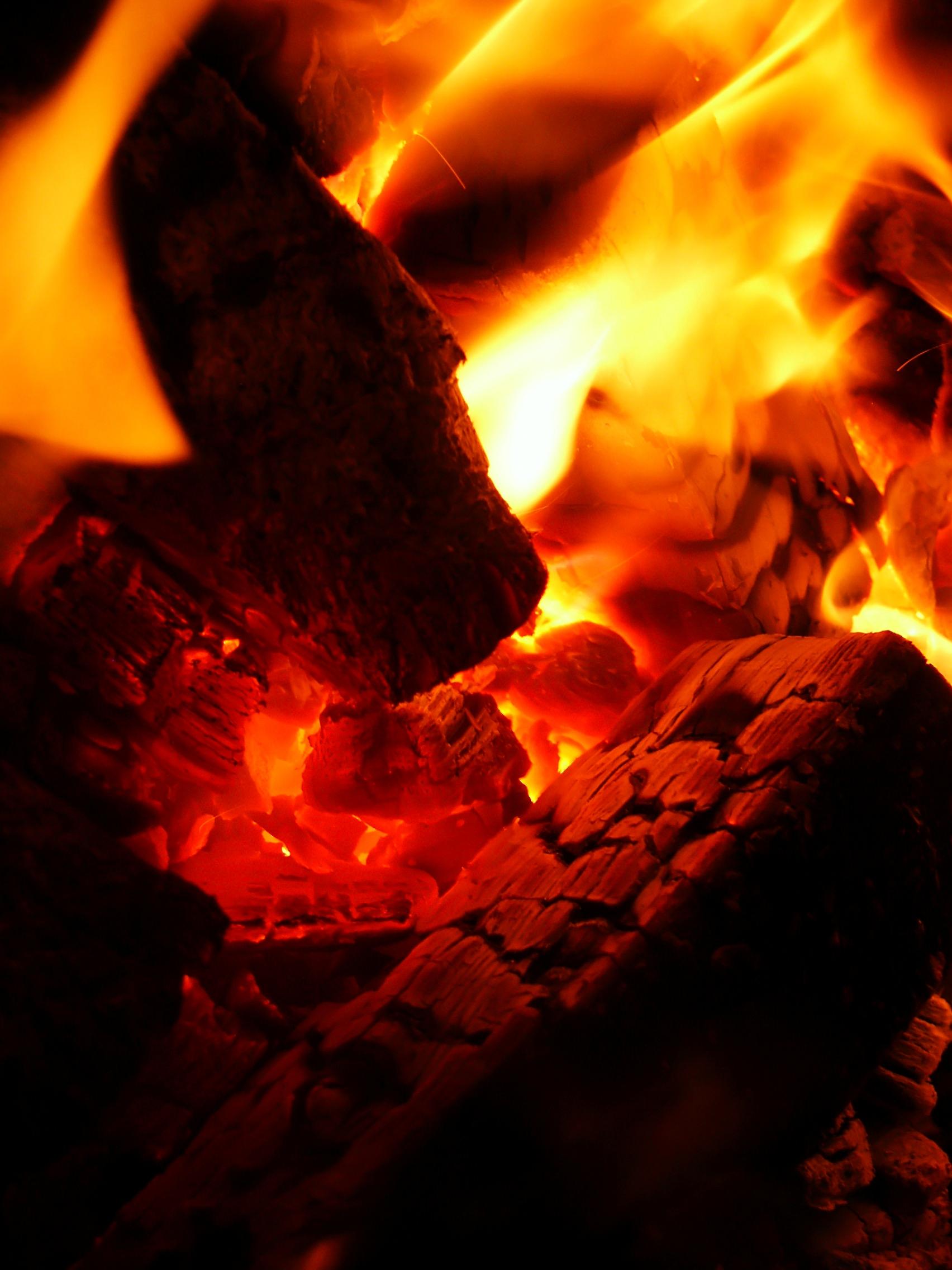 Fuego de combustion lenta Chimeneas de Colombia